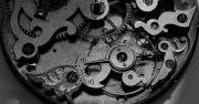 Die-ehrwuerdige-Schoenheit-eines-alten-Taschenuhrwerkes-003