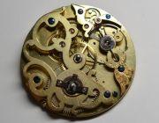 Die-ehrwuerdige-Schoenheit-eines-alten-Taschenuhrwerkes-004